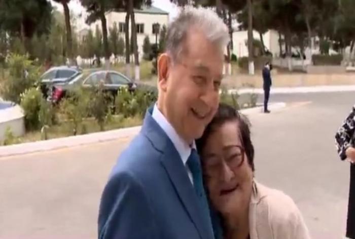 """Akif Əlizadə 65 il AMEA-da işləyən qadını """"Qocalar evi""""ndə tapdı - FOTO"""