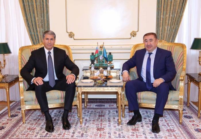 Vilayət Eyvazov qazaxıstanlı həmkarı ilə görüşüb