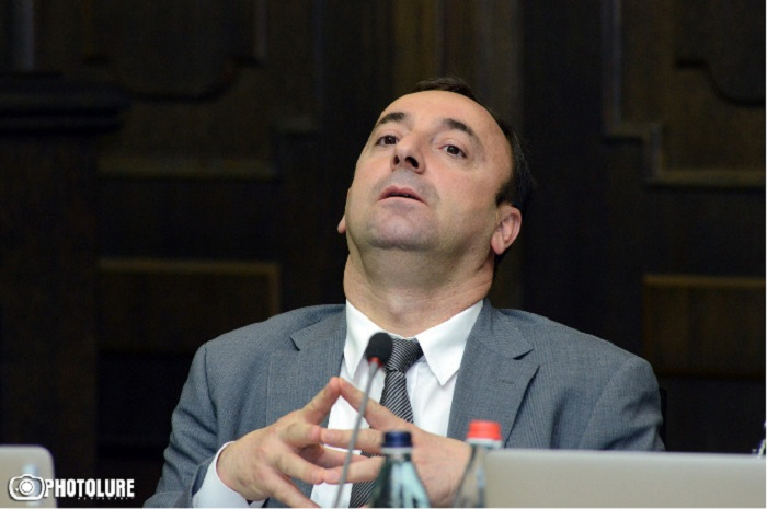 Ermənistanda yeni siyasi qalmaqal yaşanır