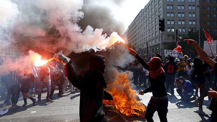 Death toll from riots in Chile rises to 10