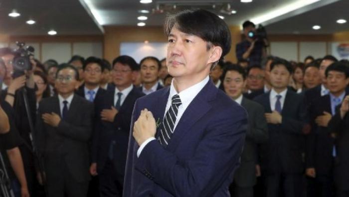 Scandale de népotisme en Corée du Sud: le ministre de la Justice démissionne