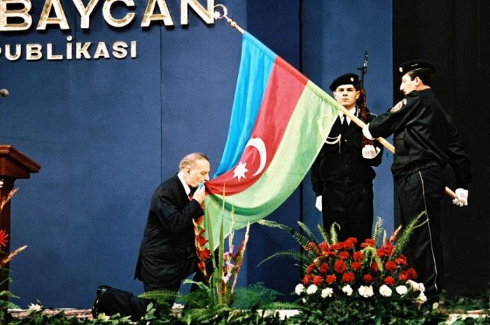 Azərbaycan üçün tarixi gün - Qurtuluşa gedən yolun başlanğıcı