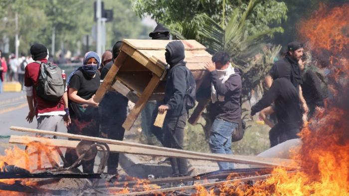 Drei Menschen bei gewaltsamen Protesten getötet