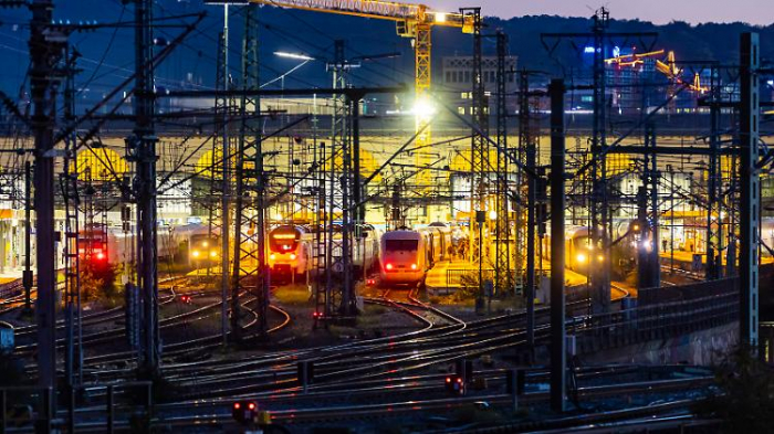 Scheuer drückt bei Bahn-Reform aufs Tempo
