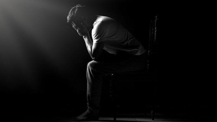 Varlı ölkələrdə kişilər qadınlardan üç dəfə çox intihar edir