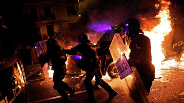 Kataloniyadakı etirazlarda 200 nəfər saxlanılıb