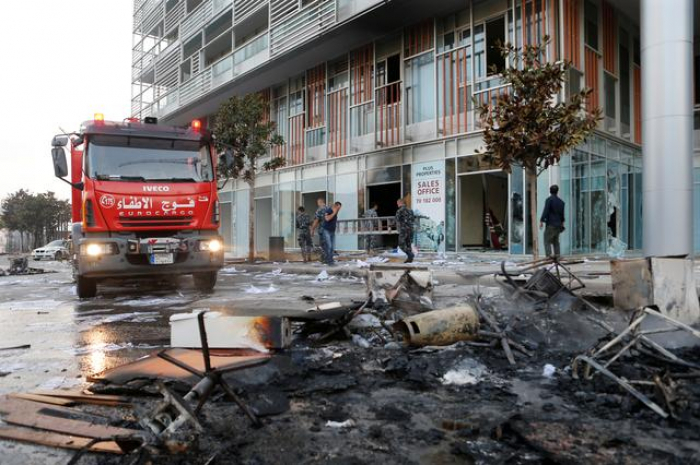 Lebanon scraps WhatsApp fee amid violent protests