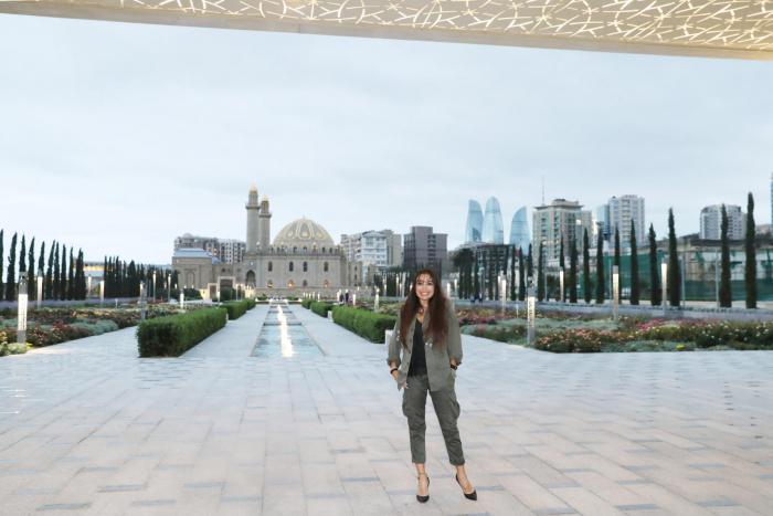 Leyla Əliyeva yeni salınan Mərkəzi Parkda - FOTOLAR