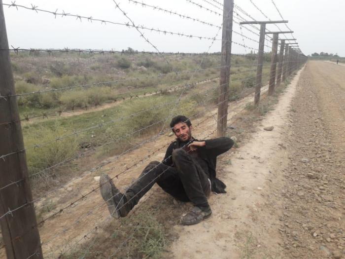İranla sərhəddə insident: Hərbi qulluqçu bıçaqlanıb - FOTOLAR