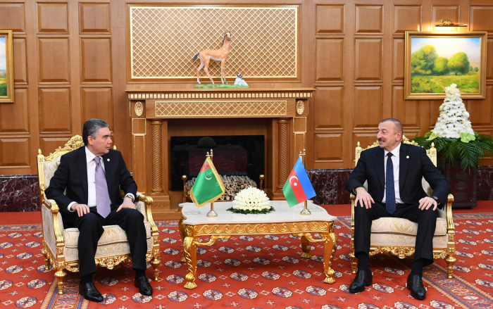 Azerbaijani, Turkmen presidents meet in Ashgabat - PHOTOS