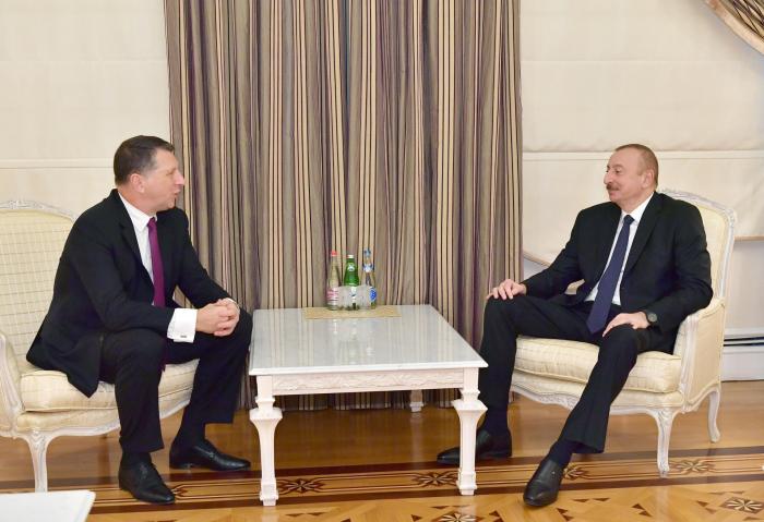 Azerbaijani president meets with former Latvian president