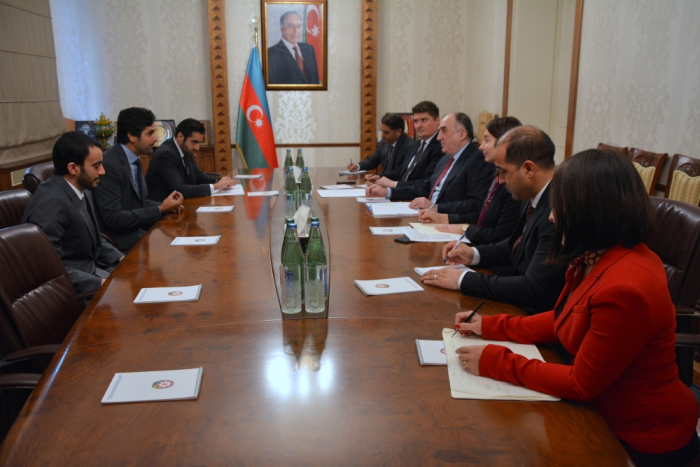 Canciller azerbaiyano recibe al flamante embajador de Qatar en Azerbaiyán