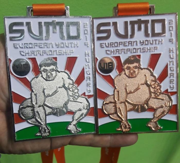Azerbaijani sumo wrestlers claim two European medals
