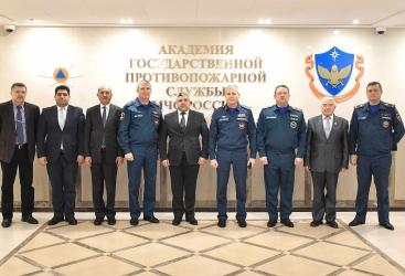 La delegación del Ministerio de Situaciones de Emergencia celebra varias reuniones con las autoridades pertinentes en Rusia