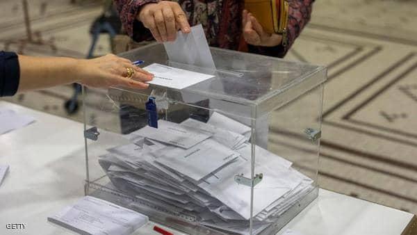فوز الاشتراكيين بانتخابات إسبانيا مع صعود قوي لليمين