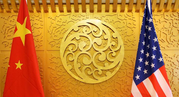 """وكالة: اتصال هاتفي """"بناء"""" بين أمريكا والصين بشأن التجارة"""