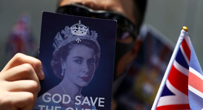الشرطة البريطانية تحقق في اعتداء مزعوم على وزيرة العدل في هونغ كونغ