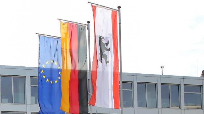 CDU will Deutschland-Fahnen an Schulen