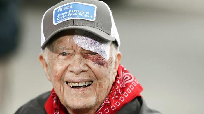 Ex-US-Präsident Carter in Klinik eingeliefert