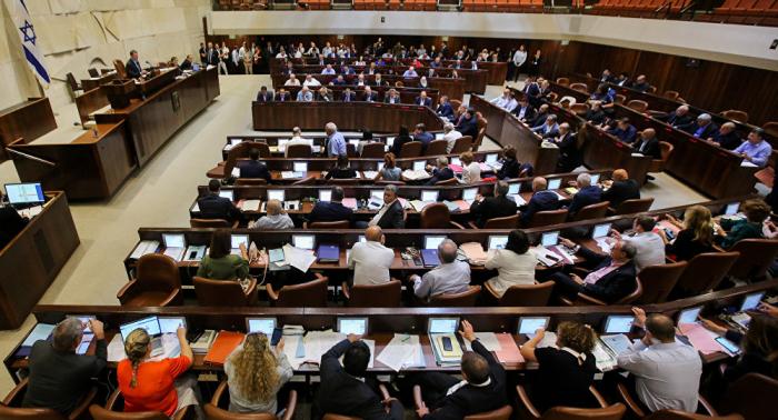 القائمة العربية بالكنيست لم تتسلم اقتراحا من غانتس حول دعمه لترؤس الحكومة الإسرائيلية