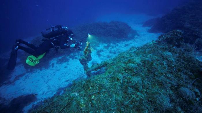 Encuentran el naufragio más profundo del mundo: un destructor de la Segunda Guerra Mundial (VIDEO)