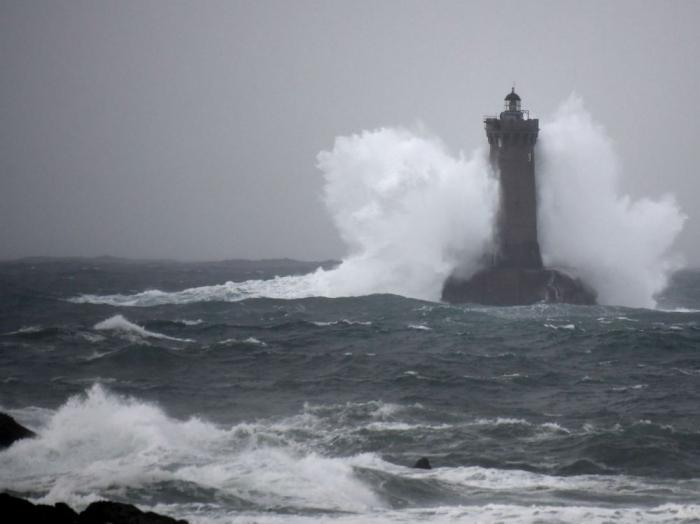 France:   Nouvelle vague de pluies et vents violents dus à la tempête Amélie