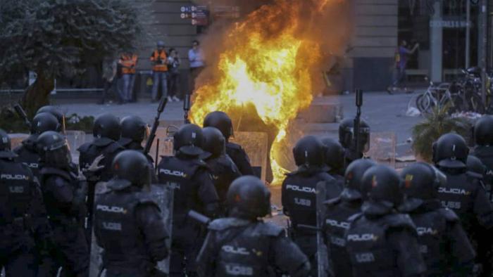 Tres semanas de vandalismo, violencia y acoso en Cataluña