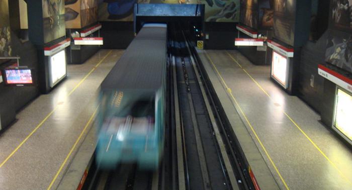 Manifestaciones en Chile producen cortes de tránsito y cierre de estaciones del metro