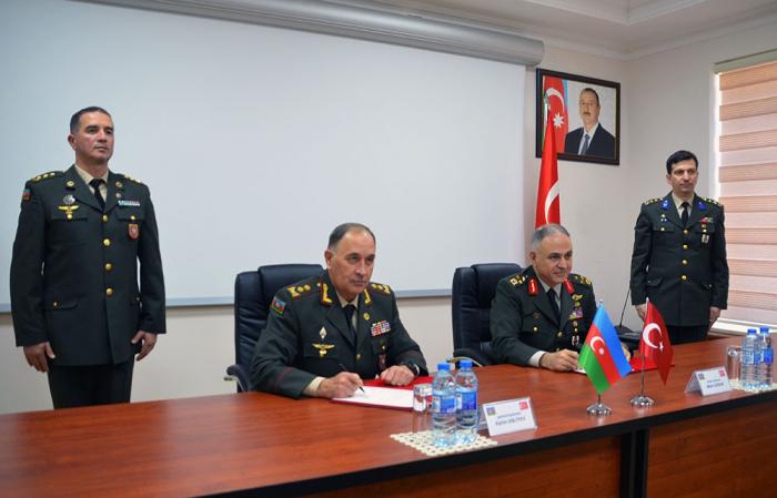 Aserbaidschanisches Verteidigungsministerium, türkischer Generalstab unterzeichnen Protokoll