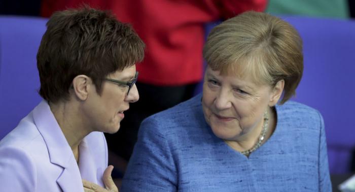 """Merkel gibt AKK Recht:   Nationaler Sicherheitsrat ist """"richtige Idee"""""""