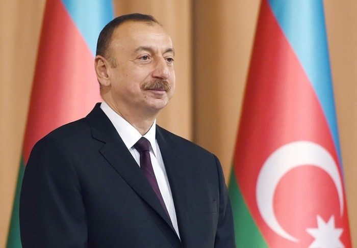 Ilham Aliyev hace una publicación con motivo del Día de la Bandera-  Video