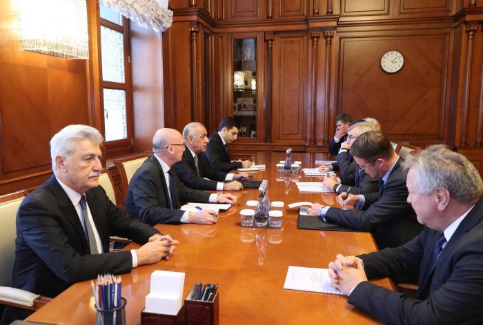 Aserbaidschans Ministerpräsident trifft litauische Parlamentsdelegation