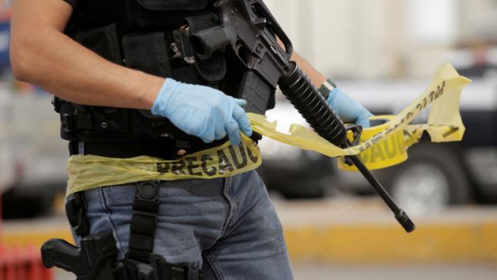 Mueren tres personas durante un enfrentamiento en un centro comercial en México