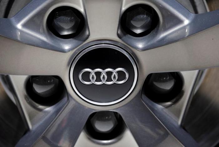 Audi holt beim Absatz auf - BMW vor Mercedes und Audi