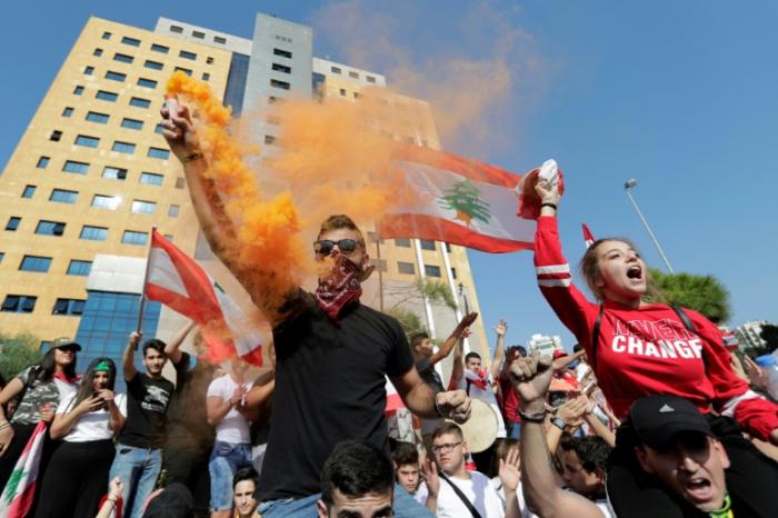 Liban: les lycéens ratent les cours pour continuer à manifester