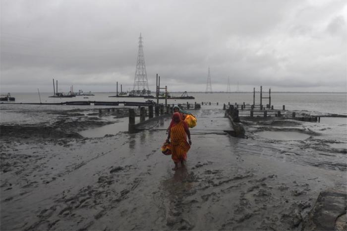 Bangladesh:   1,5 million de personnes évacuées à l