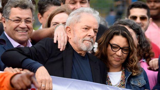 Brazil ex-President Lula walks free from jail