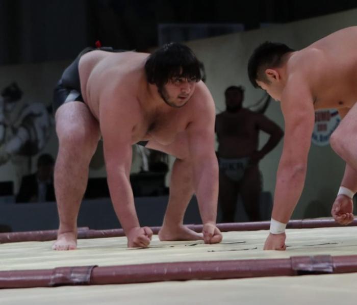 Luchador de sumo azerbaiyano conquista el oro