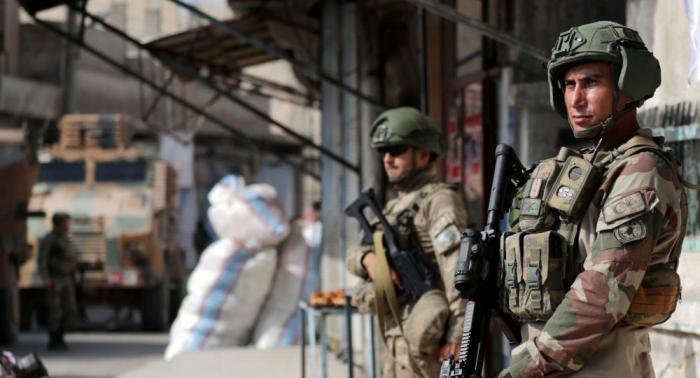 Turquía empieza a deportar a terroristas de ISIS
