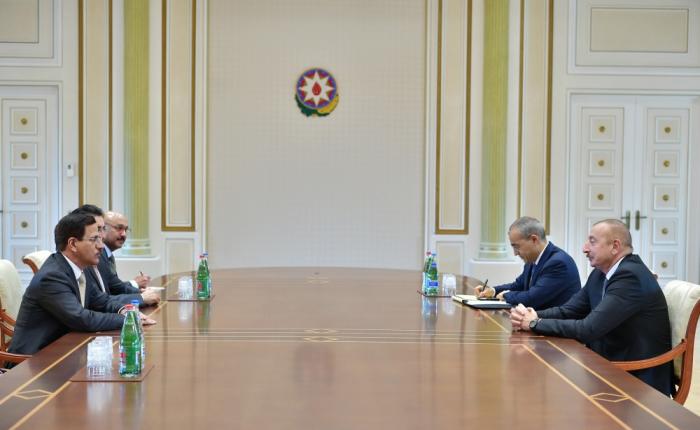 Le président Ilham Aliyev reçoit le ministre émirien de l'Economie