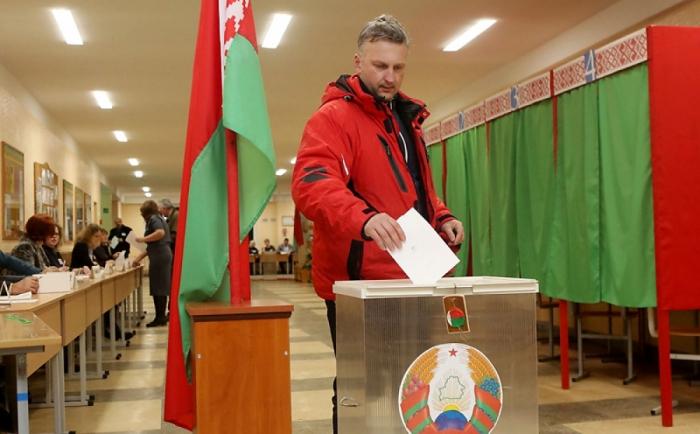 Belarusda parlament seçkiləri baş tutub - Yenilənib