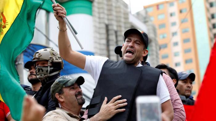 """Camacho, el líder de las protestas en Bolivia que quiere """"devolver a Dios al Palacio de Gobierno"""""""