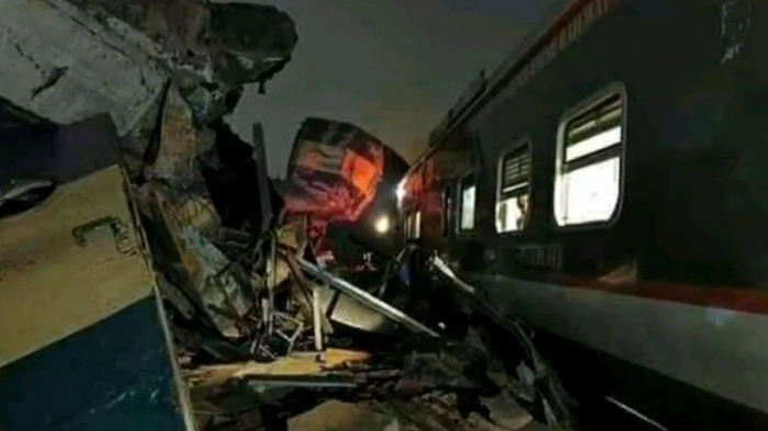 Head-on collision of Bangladesh trains kills 16, injures 40 - UPDATED