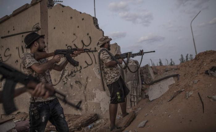 Rusia pone un pie en Libia con mercenarios que apoyan al general Hafter