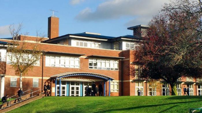 Hallan más de 250.000 dólares en cocaína en una de las escuelas más prestigiosas del Reino Unido