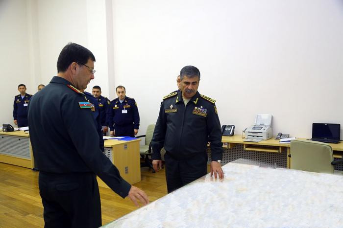 Conferencia del ministro de Defensa debido a los ejercicios-Video