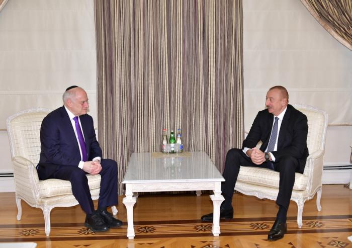 Ilham Aliyev reçoit le vice-président exécutif de la Conférence des présidents des organisations juives