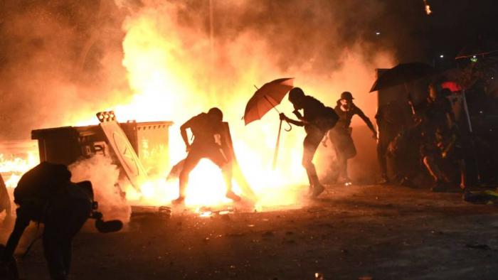 """La Policía de Hong Kong admite que el territorio está """"al borde del colapso total"""""""