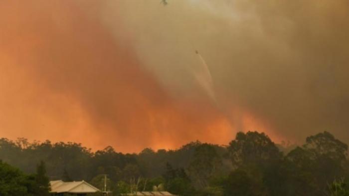 Helicopter crashes during Australia bushfire operation