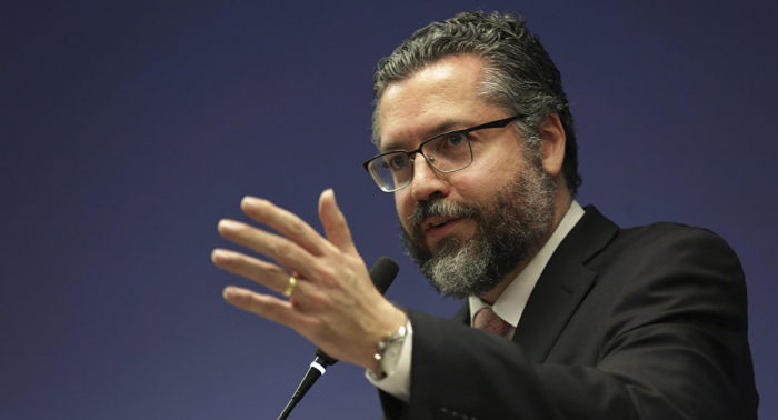 "El canciller de Brasil afirma que la presidenta interina de Bolivia ""asume legalmente"""